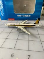 Aeroclassics Boeing 707-300  Singapore Airlines Cargo  9V-BFN 1:400 Scale Model