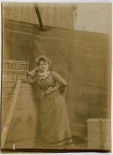 PHOTO ANCIENNE - FEMME ÉLÉGANTE ROBE COIFFURE - WOMAN FASHION - Vintage Snapshot