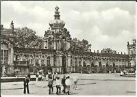 Ansichtskarte Dresden - Dresdner Zwinger mit Passanten - schwarz/weiß