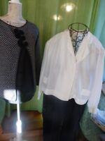 lot 3piéces femmes noirblanc   +pantalon noir ,corsage soie et pull 3noeuds