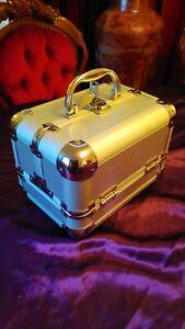 Aluminium Jewellery Box Lockable Case MAP with Keys Fold Out 24cm x18cm x17cm