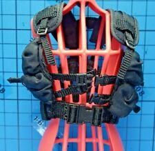 Hot Toys 1:6 MMS125 Terminator 2 Sarah Connor Figure - tactical vest