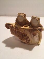 Harmony Kingdom - Honeymooners ( Endangered Harlequin Frogs)