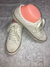 e9bd3637a7d TORY BURCH Women s White Flat Lace Up Sneakers Daisy Perforated No size ...
