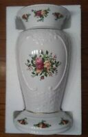 """1962 Bone China XLG 14"""" Royal Albert Old Country Roses Cameo Vase Gold Trim"""