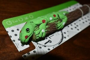 Gecko Lizard Doodle Tops Eco-friendly Handcrafted wood branch Animal Pencil