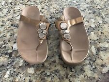 Fitflop Gold With Bling Print Flip Flop Size 9 Womens