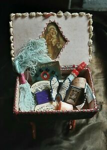 SPANISH ANTIQUE VINTAGE 1930s MINIATURE SEWING BOX & CONTENTS CHILD TOY OR DOLL