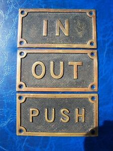 ANTIQUE / OLD VINTAGE 4 x 7.5 CM METAL PLAQUES / SIGNS ' IN OUT & PUSH ' IN VGC