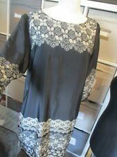 LADIES BLACK MIX ABSTRACT PRINT DRESS, DOROTHY PERKINS, SIZE 18, EXC-CON