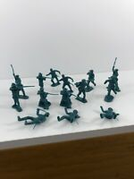 "MARX ALAMO FORT FRONTIER PIONEERS BLUE PLASTIC TOY SOLDIERS 2.25"" 50s 60s AS IS"