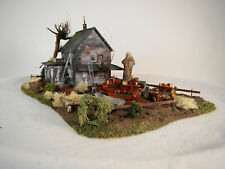 HO scale nicely decorated and detailed Abandoned House Diorama - lot 15