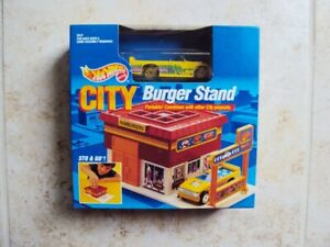 Hot Wheels City Burger Stand Sto & Go Play Set w exclusive Mini Truck, MIB 1990