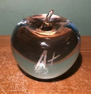 TIFFANY & CO. CLEAR SOLID CRYSTAL ETCHED A+ APPLE PAPERWEIGHT