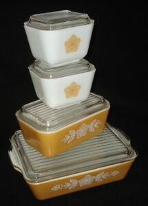 PYREX - 8 pc. BUTTERFLY GOLD Refrigerator Set - Dishes + Lids