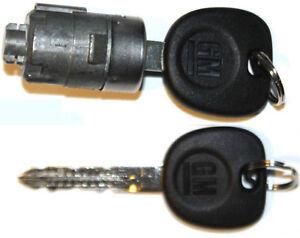 NEW GMC OEM Single Door Lock Cylinder W/2 OEM GM LOGO KEYS-706592 + 5928818