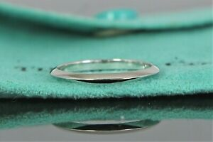 $700 Tiffany & Co Platinum 2mm Knife Edge Wedding Band Anniversary Ring Size 6.5
