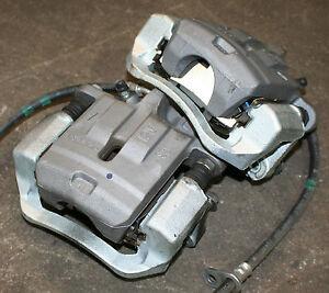Subaru BRZ SE Lux Rear Brake Calipers & Pads Pair Only 200 Miles Genuine OE