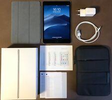 Apple iPad mini 4 64GB Wi-Fi WLAN Bluetooth 20,07 cm 7,9 Zoll Spacegrau Schwarz