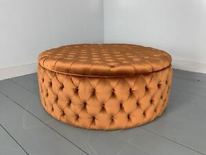 """RRP £4000 - Pristine Huge """"Soho Buttoned-Drum"""" Ottoman Footstool in Burnt Ora..."""
