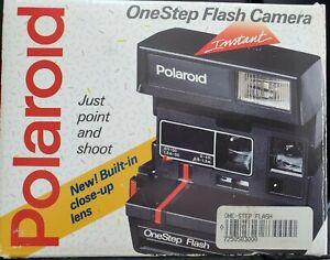 VINTAGE POLAROID 600 PLUS ONE STEP FLASH CAMERA - IN BOX