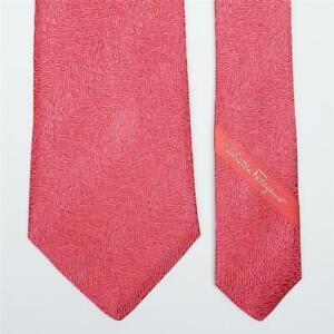 SALVATORE FERRAGAMO TIE Striped in Dark Pink Classic Woven Silk Necktie