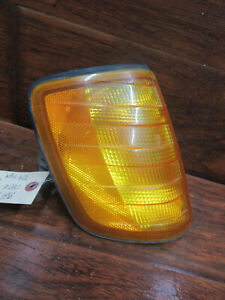 Mercedes 124 Type: 1985, 1986, 1987, 1988, 1989, 1990 - 1995, Right Marker Light