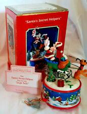 """Santa's Secret Helpers"" Enesco 'Small World of Music' 1996, Mickey & Pluto Nib"