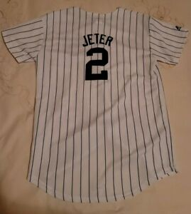 New York Yankees MLB Majestic Baseball Jersey Boys Large White Derek Jeter Used