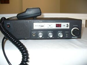 REALISTIC NAVAHO TRC-433 40 CHANNEL AM CB RADIO BASE STATION. WORKING.