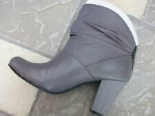 """NEW BCBD GRAY """"DASH"""" LEATHER BOOTS WOMENS 5.5"""