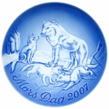 Bing & Grondahl 2007 Mother's Day Plate Arctic Wolf with Pups