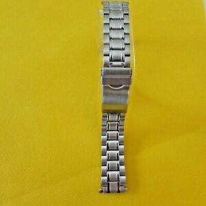 STAINLESS STEEL WATCH BAND WITH LOCK BUCKLE &  SQUEEZE ENDS TO FIT 18mm TO 22MM