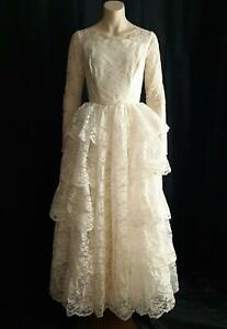 ROMANTIC 1950s Vintage Ruffled Lace Ballgown A-line Bridal Wedding Dress - SM