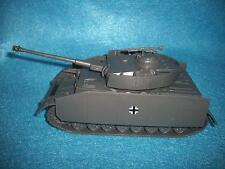 Classic Toy Soldiers WWII German Panzer IV tank with Side Armor