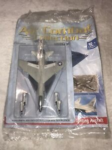 BRAND NEW SEALED AIR COMBAT COLLECTION DIECAST VOUGHT F-8E CRUSADER