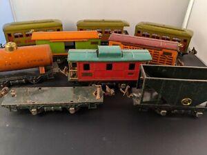 Nice Lot of Vintage Lionel  O gauge Tin Train Cars