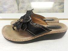 Clarks Leisa Grove  Sandal Leather Womens Slide Shoes Low Heel Floral Design 7.5