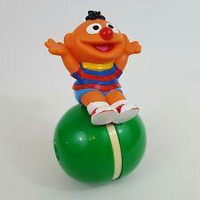 Sesame Street Roly Poly ERNIE in plastica Push Lungo Giocattolo TYCO 1994 RARA