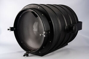 "Speedotron Black Line 14"" Fresnel Zoom Flash Spot Light With Barn Doors RARE"