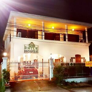 7 nights. Luxury Boutique Guesthouse Chiang Mai Thailand April 2019 - 10 Person