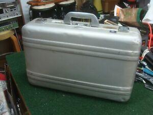 Zero Halliburton Medium size Aluminum Luggage Case 21x 13 X 7 - SEE ALL PICS