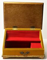 """Vtg Jewelry Musical box Red Velvet Lined 8"""" x 5"""" Wood w/Gold Trim Yellow/Green"""