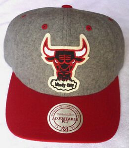 CHICAGO BULLS NBA MITCHELL & NESS VINTAGE 2-TONE SNAPBACK CAP HAT NEW! GRAY/RED