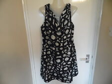 Ladies black and white fully silk lined dress from New York & Co size 16