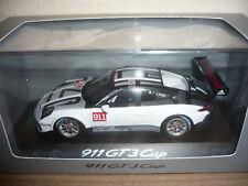 Spark 1:43 Porsche 911 GT 3 Cup mit der Nr.911