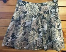 Banana Republic Floral Skirt Women's White Lined Skirt Size 0
