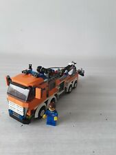 LEGO - CAMION DEPANNEUSE N° 7642 + PERSONNAGE