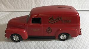 ERTL-1951 Die-Cast GMC Panel Van Locking Coin Bank-Strohs Beer