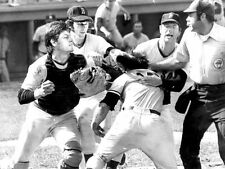 CARLTON FISK THURMAN MUNSON 8X10 PHOTO BOSTON RED SOX MLB BASEBALL PICTURE FIGHT